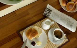 Деревянные кухонные столешницы — за и против. Техническое обслуживание деревянных столешниц