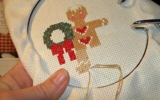 Рисунок 13: Пошив рождественской салфетки