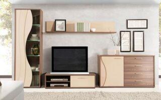 Яркая мебель, соответствующая не только гостиной