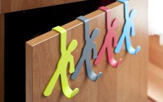 Красочные вешалки для детской комнаты и подростка