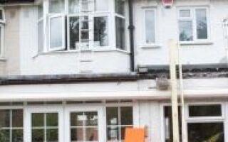 Установка окна крыши в Англии